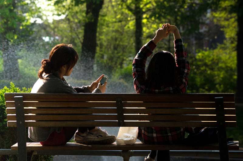 friends_talking